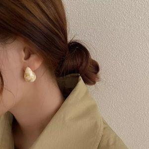 Drop shaped Resin earrings in white marble pattern